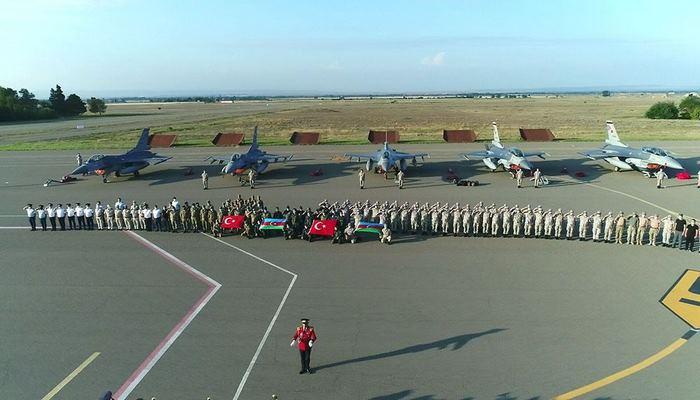 В Азербайджан прибыли самолеты F-16 ВВС Турции для участия в учениях TurAz Qartalı-2020