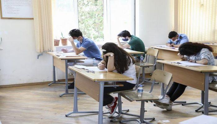 В Азербайджане отменен запрет на проведение экзаменов в регионах с жестким карантинным режимом