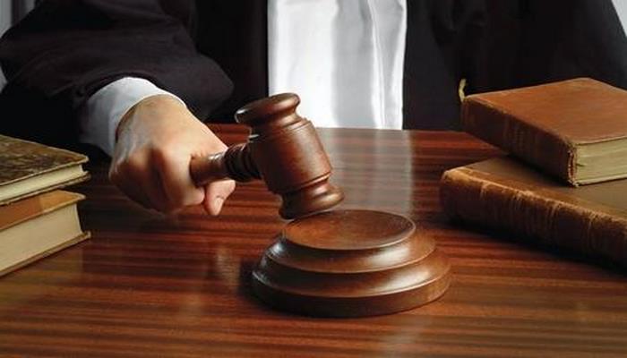 В Азербайджане продлен срок ареста обвиняемого во взяточничестве экс-сотрудника Госфонда соцзащиты