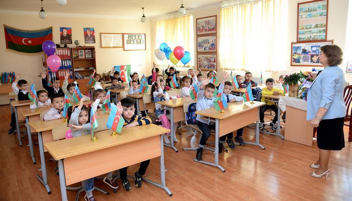 В Баку в связи с приемом в первый класс поступило свыше 44 тысяч электронных обращений