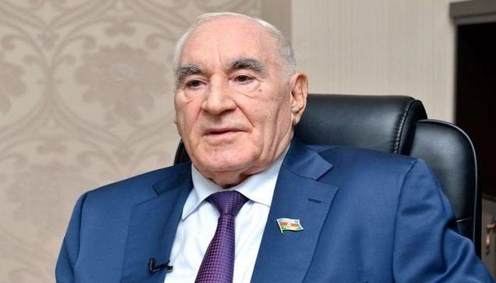 В I Аллее почетного захоронения проходят похороны Фаттаха Гейдарова