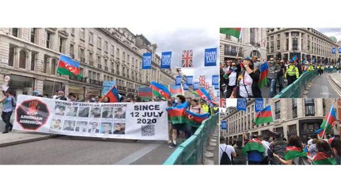 В Лондоне прошла мирная акция азербайджанцев в связи с последними провокациями Армении