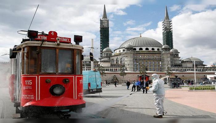 Yaşı 65-dən yuxarı olanlar avtobusa minə bilməzlər - Türkiyədə yeni qadağalar