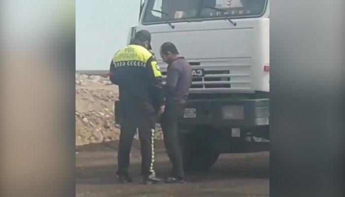 Yol polisi sürücüdən rüşvət alıbmı? - DİN-dən AÇIQLAMA