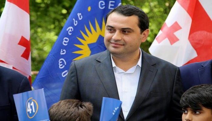 Gürcüstanın azərbaycanlı meri vəzifəsini tərk etdi