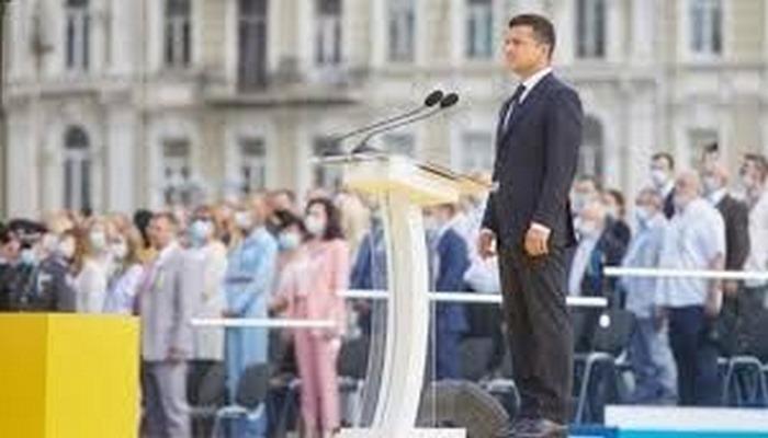 Zelenskiy: Ukrayna topraklarını savaşmadan hediye edenler mahkeme önünde hesap verecek