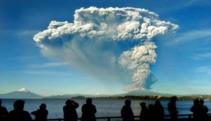 Çilidə Kalbuko vulkanının püskürməsi