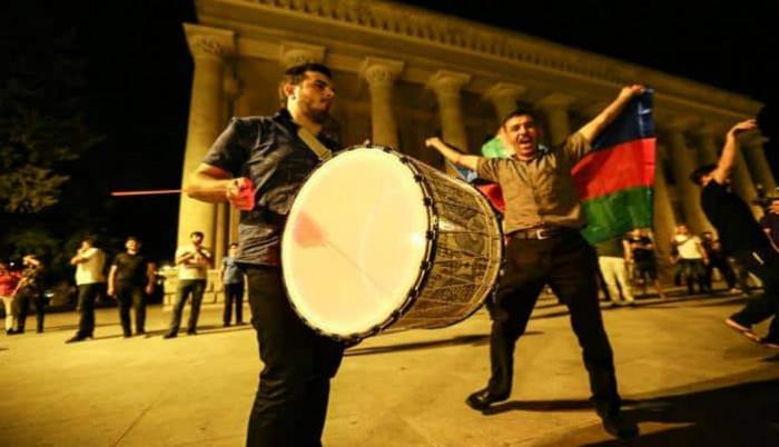 Qarabağ futbol klubunun fanatlarının sevinc anları