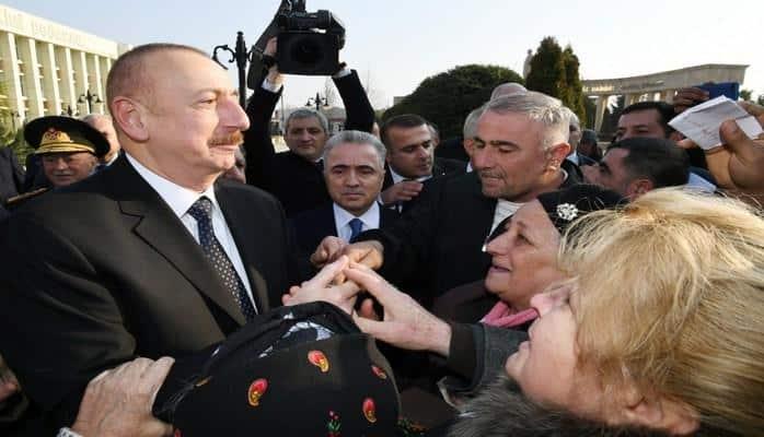 """Prezidentin Ağsu görüşündən: """"Mənim işim sizə xidmət etməkdir"""""""