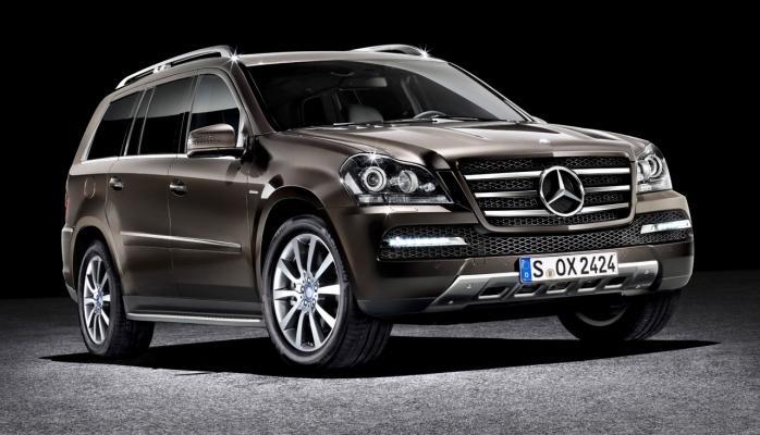 Kalaşnikov avtomatı zirehli Mercedes-Benz GL-Class avtomobilinə qarşı