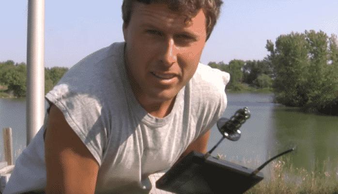 Fermer dronla balıq tutur